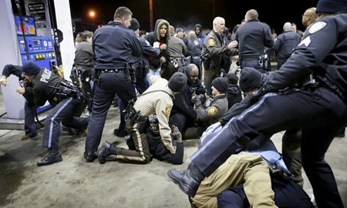 Tin thế giới 24/12: Cảnh sát lại giết người da đen ở Mỹ - ảnh 2