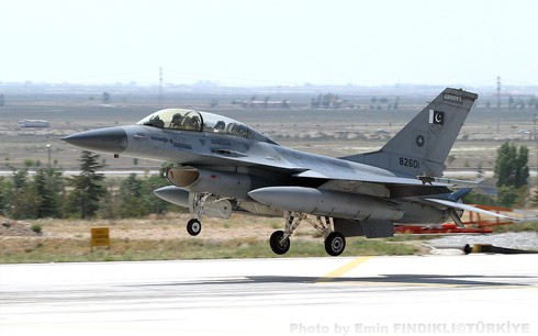 Mỹ quyết định bán máy bay chiến đấu F-16 cho Pakistan - ảnh 1