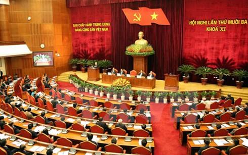 Thông qua danh sách ứng cử Ủy viên Bộ Chính trị, Ban Bí thư khóa 12 - ảnh 1