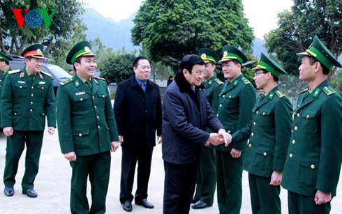 Chủ tịch nước dâng hương tưởng nhớ liệt sĩ bảo vệ biên giới phía Bắc - ảnh 3