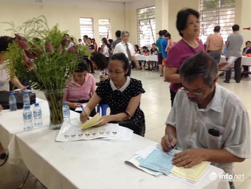 Cử tri nô nức đi bầu cử ĐBQH khóa 14 và đại biểu HĐND các cấp - ảnh 5