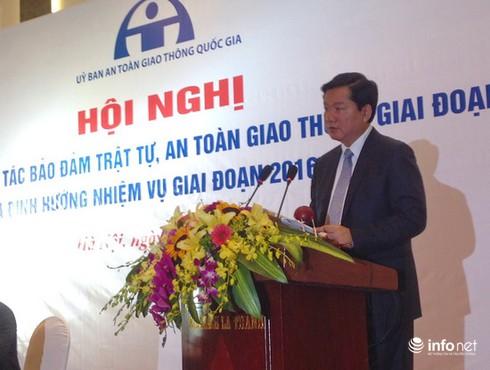 Phó Thủ tướng Nguyễn Xuân Phúc: Cần ứng dụng KHCN để đảm bảo ATGT - ảnh 2