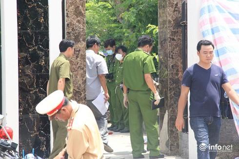 Thảm sát gia đình 6 người chết: Công an đang khám nghiệm hiện trường - ảnh 8