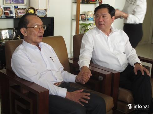 Bí thư Đinh La Thăng bàn giải pháp giảm tải bệnh viện cùng GS Trần Đông A - ảnh 1