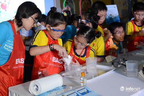 500 học sinh tham gia thí nghiệm về nước sạch - ảnh 3