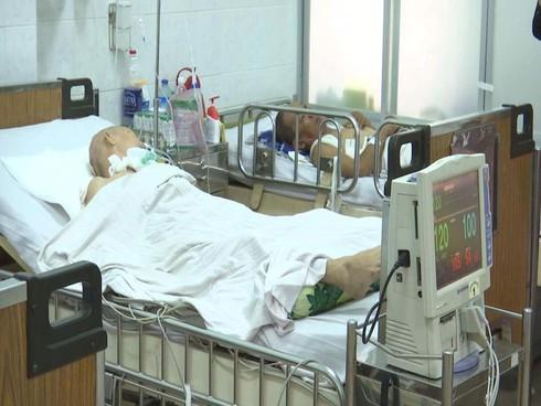 Cứu sống cụ bà 81 tuổi xuất huyết não, tắc nghẽn phổi - ảnh 1