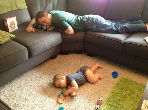 Cười ngặt nghẽo với các tư thế ngủ chỉ có ở trẻ em - ảnh 12