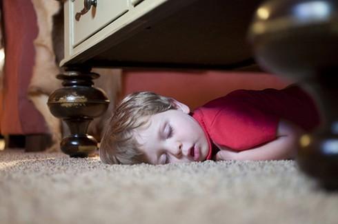 Cười ngặt nghẽo với các tư thế ngủ chỉ có ở trẻ em - ảnh 13
