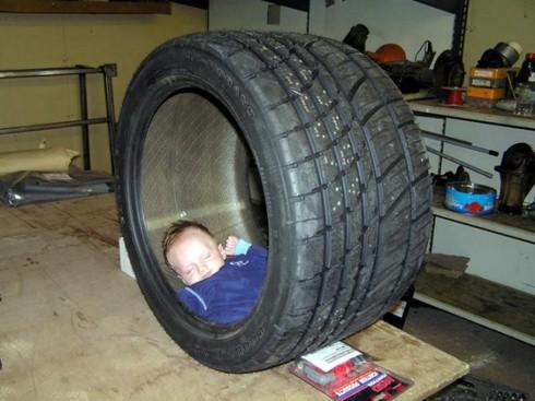 Cười ngặt nghẽo với các tư thế ngủ chỉ có ở trẻ em - ảnh 17