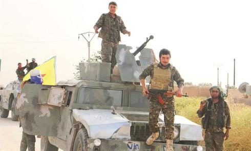 """Mỹ chuẩn bị """"mượn tay"""" người Kurd tấn công IS trên bộ - ảnh 1"""