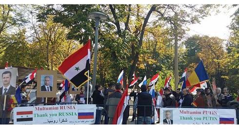 Người Syria khắp nơi trên thế giới tổ chức tuần hành ủng hộ Nga - ảnh 1