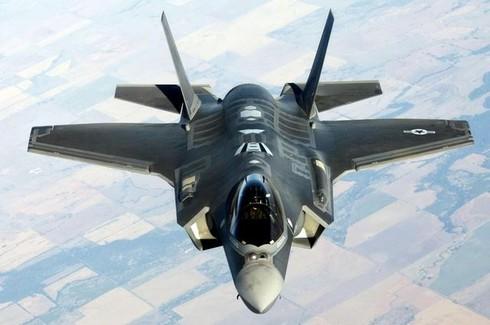 Phi công đối mặt với nguy cơ bị gãy cổ khi điều khiển F-35 - ảnh 1