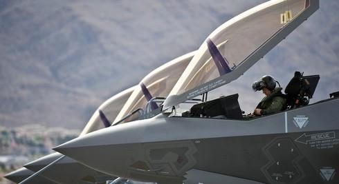 Phi công đối mặt với nguy cơ bị gãy cổ khi điều khiển F-35 - ảnh 2