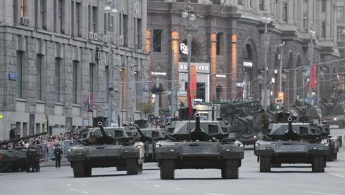 """Vì sao Bộ Nội vụ Nga không muốn mua các """"siêu tăng Armata""""? - ảnh 1"""