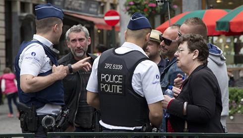 Tấn công khủng bố bằng dao tại Bỉ, hai cảnh sát bị thương - ảnh 1