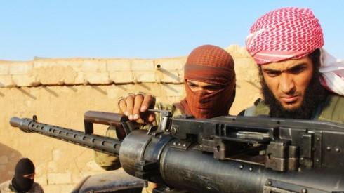 Syria: Không quân Mỹ đã phối hợp nhịp nhàng với IS - ảnh 1