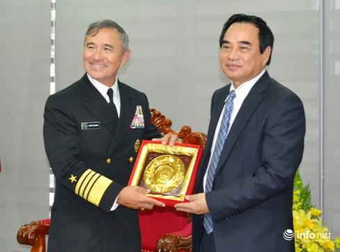 Tư lệnh Hạm đội Thái Bình Dương Mỹ thăm Đà Nẵng - ảnh 1