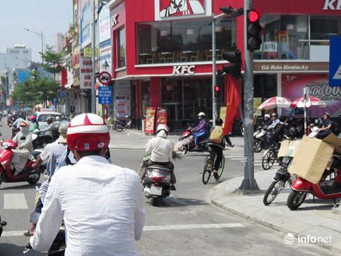 """Đà Nẵng: Những cảnh tượng làm mất mặt """"thành phố đáng sống""""! - ảnh 11"""