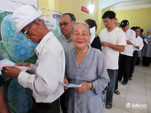 Bí thư, Chủ tịch Đà Nẵng tham gia bỏ phiếu từ sáng sớm - ảnh 7