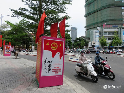 Bí thư, Chủ tịch Đà Nẵng tham gia bỏ phiếu từ sáng sớm - ảnh 1