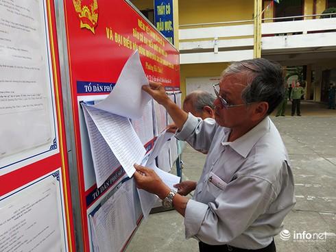 Bí thư, Chủ tịch Đà Nẵng tham gia bỏ phiếu từ sáng sớm - ảnh 2
