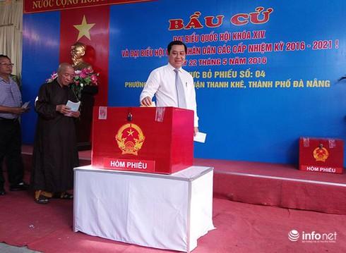 Bí thư, Chủ tịch Đà Nẵng tham gia bỏ phiếu từ sáng sớm - ảnh 6