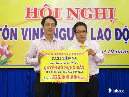 Đà Nẵng: Taxi Tiên Sa hỗ trợ 1 lô đất cho vợ con tài xế bị sát hại - ảnh 1