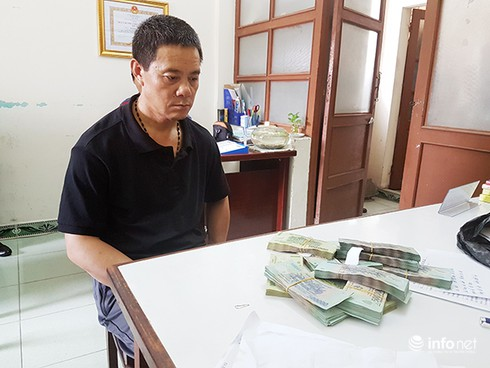 Mang tiền tỷ đi máy bay, bị khách Trung Quốc trộm mất 400 triệu - ảnh 1