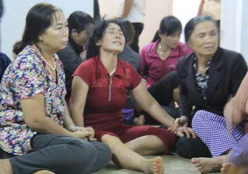 Đám tang 4 học sinh đuối nước ở Gia Lai: Bố còn nợ con một buổi đi chơi - ảnh 1