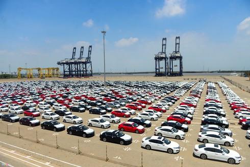 Xe ô tô hưởng thuế nhập khẩu ưu đãi 0% ồ ạt đổ về Việt Nam - ảnh 1