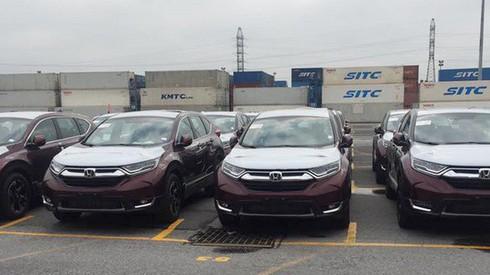 Những mẫu xe nhập khẩu chính hãng vừa về Việt Nam trong nửa đầu tháng 3 - Ảnh 1.