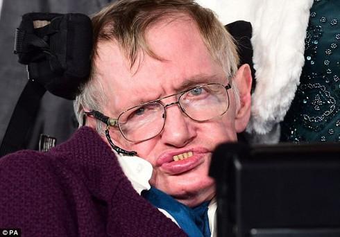 Cảnh báo cuối cùng của Stephen Hawking: Nhân loại sẽ đối mặt với thảm họa gì? - Ảnh 1.