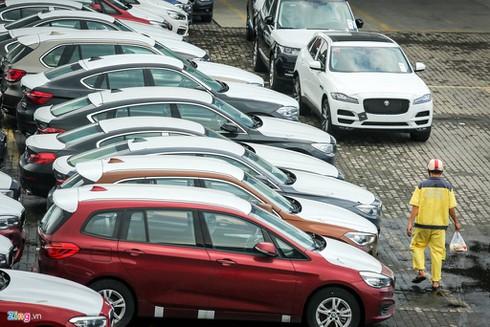 Chỉ có hơn 50 ô tô được nhập về Việt Nam trong tuần qua - ảnh 1