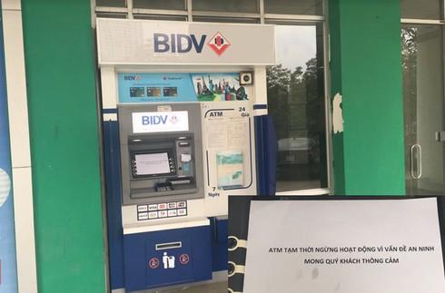 Chủ thẻ mất gần 40 triệu, cây ATM BIDV đặt biển ngừng vì vấn đề an ninh - ảnh 2