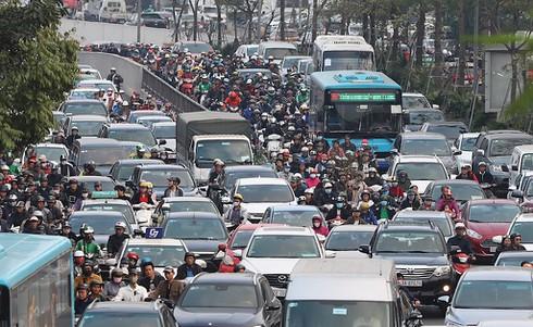 Bộ GTVT yêu cầu mở trạm thu phí để tránh ùn tắc khi người dân kéo về thành phố sau Tết - ảnh 1