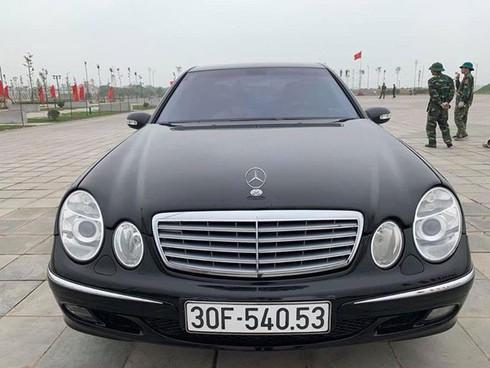 Sau gần 2 thập kỷ, chiếc Mercedes-Benz hạng sang này rớt giá chỉ bằng 2 chiếc Honda SH - Ảnh 1.