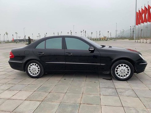 Sau gần 2 thập kỷ, chiếc Mercedes-Benz hạng sang này rớt giá chỉ bằng 2 chiếc Honda SH - Ảnh 2.