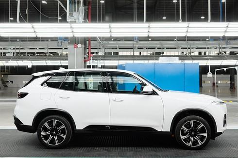 VinFast hoàn thành sản xuất ô tô đầu tiên, Lux SA 2.0 đã lăn bánh thử nghiệm tại Việt Nam - ảnh 3