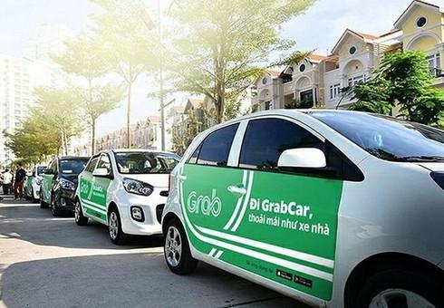 Bộ GTVT tuýt còi taxi tỉnh cài Grab chạy ở Hà Nội - ảnh 1