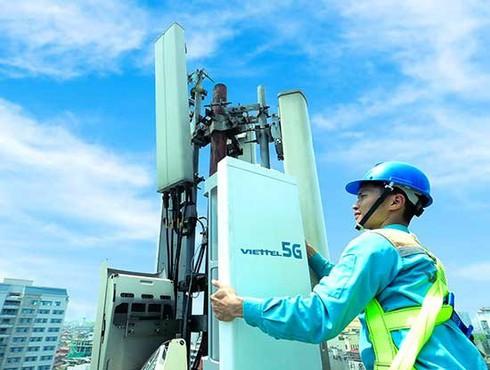 Viettel phát sóng trạm 5G đầu tiên tại Việt Nam - ảnh 1