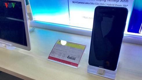 """Điện thoại Huawei: Người dùng bán """"tháo"""", nhà buôn khuyến mại """"khủng"""" - Ảnh 4."""