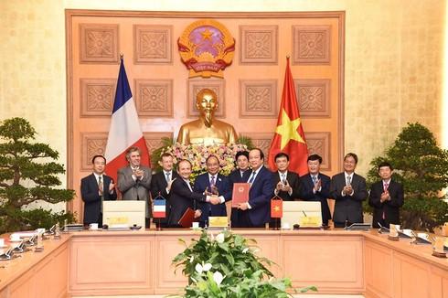 Thủ tướng Nguyễn Xuân Phúc: Việt Nam sẽ tạo bứt phá về Chính phủ điện tử trong năm 2019 - ảnh 1