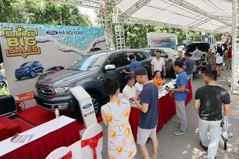 Hàng trăm ô tô cũ, mới góp mặt tại hội chợ xe đầu tiên ở phía Bắc - ảnh 2