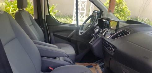 Ford Tourneo lộ thêm hình ảnh và thông tin trước khi ra mắt - ảnh 5