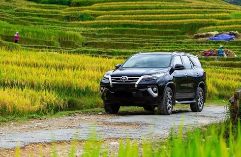 Loạt xe Toyota giảm giá mạnh sau Tết Nguyên đán: Fortuner giảm 85 triệu - ảnh 1