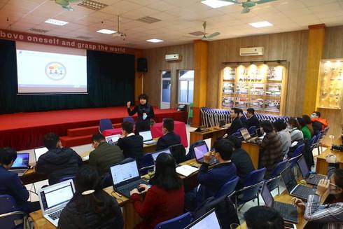 Nhiều trường học cấp tập tổ chức dạy online trong lúc phòng dịch Corona - ảnh 2