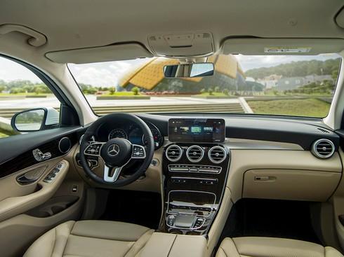 Bộ đôi Mercedes-Benz GLC 2020 vừa ra mắt, giá 2 tỷ đồng - ảnh 4