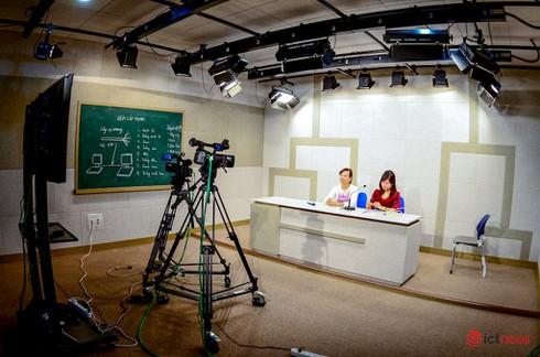 Hàng loạt trường đại học công nghệ lùi tiếp tục lùi lịch lên lớp vì dịch Covid-19 | Phòng dịch Covid-19, hơn 8.300 sinh viên Đại học Bách khoa Hà Nội học online