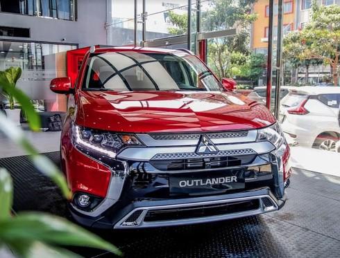 """Mitsubishi Pajero Sport giảm giá """"sập sàn"""" ở đại lý - ảnh 1"""