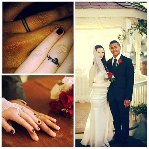 Những hình xăm ngón tay thay nhẫn cưới độc đáo - ảnh 6